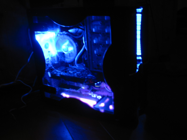 Thermaltake Soprano DX Case, in the dark