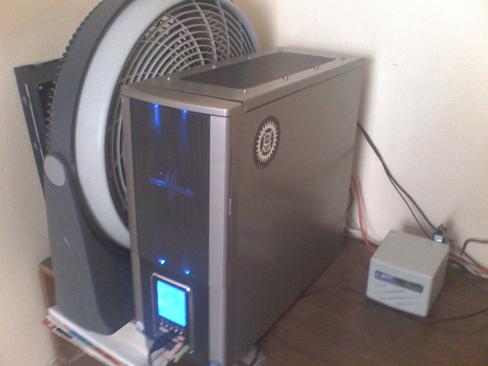 yes, the big thing next to it...