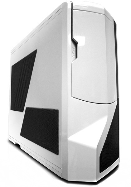 NZXT-Phantom-proves-theres-still-life-in-chunky-desktop-towers_rs--p_1.jpg