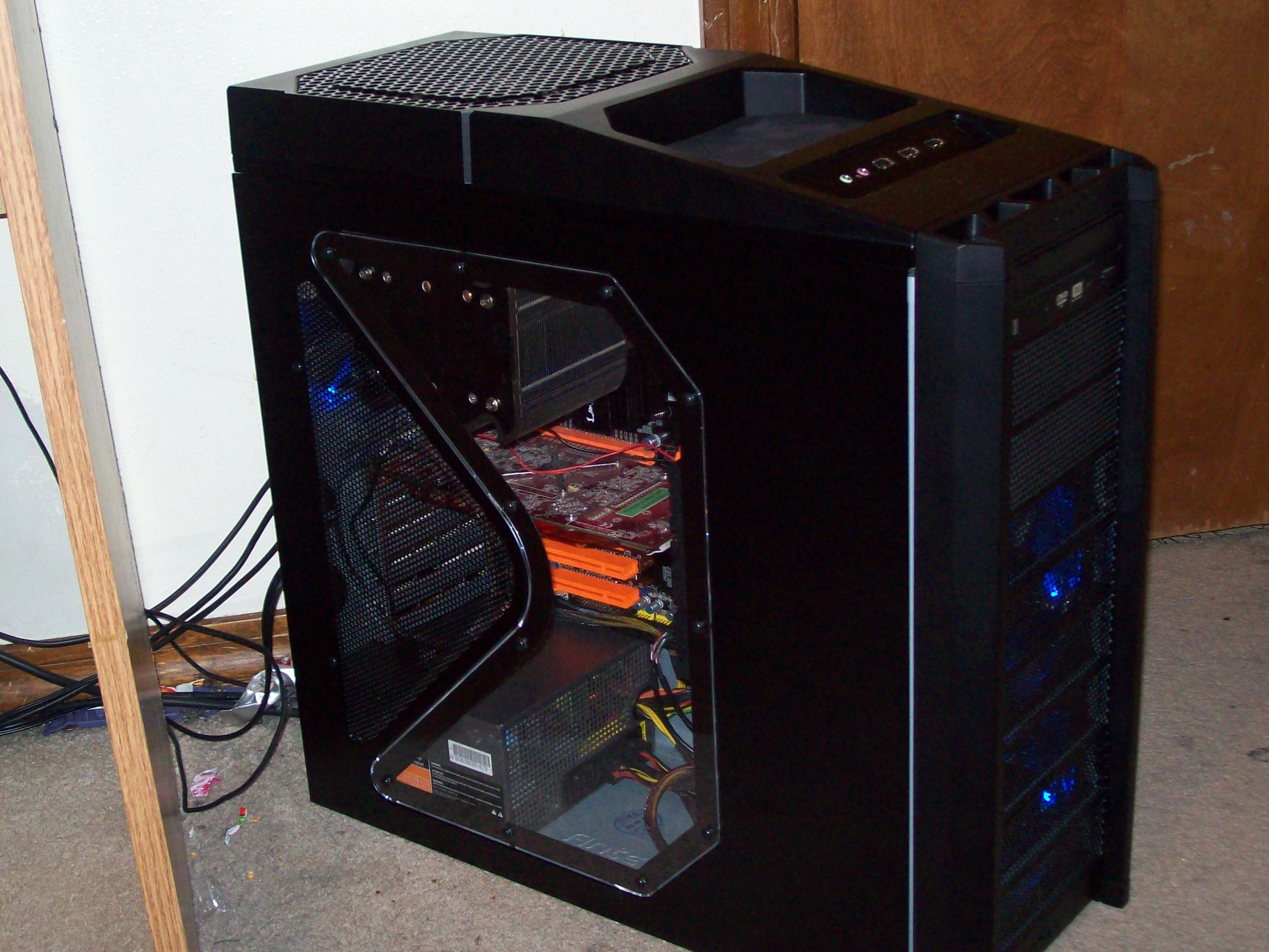 New antec nine hundred and DFI Lanparty DK P35 . =)