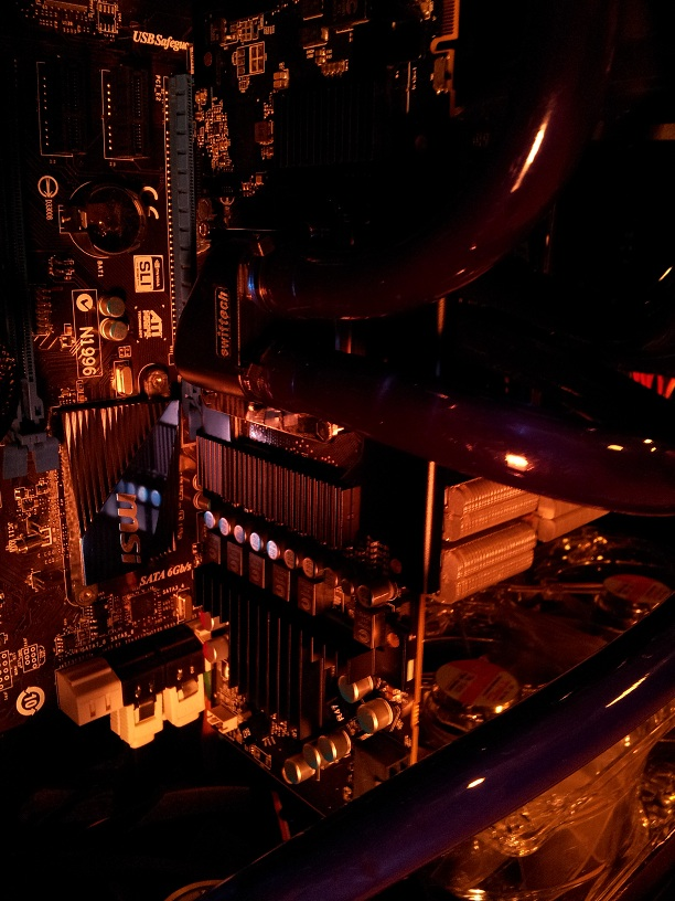 Sapphire HD7950 950mhz Edition with MCW82-7900 Water Block