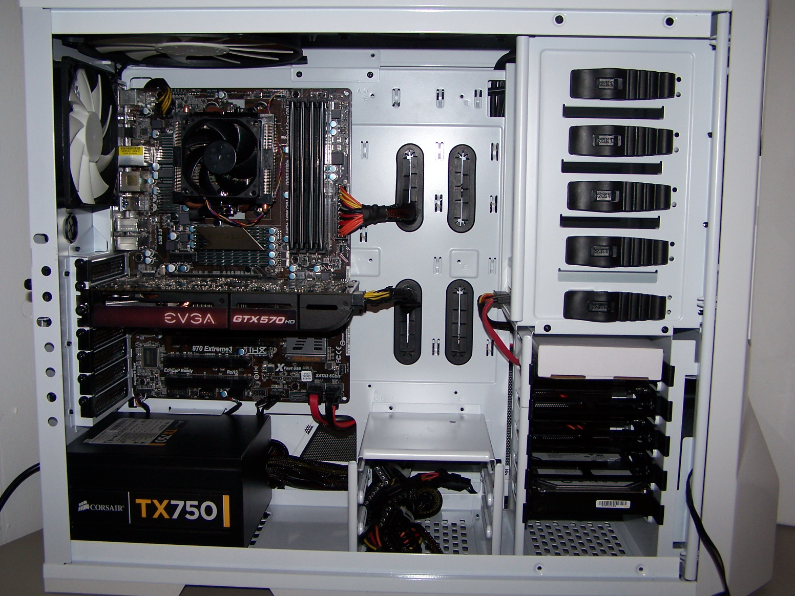 this build was for a friend to move it to a new case and cable management.