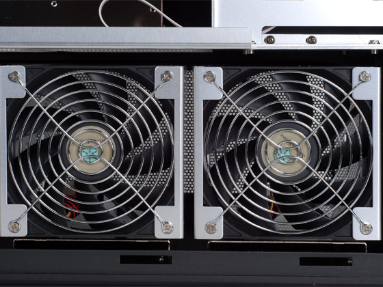 Dual 120mm fan of HDD cage