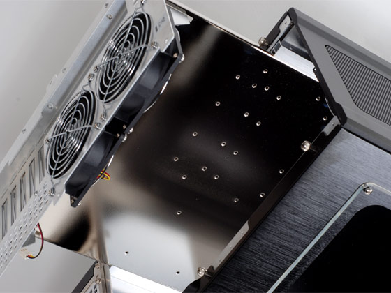 Removeable motherboard tray