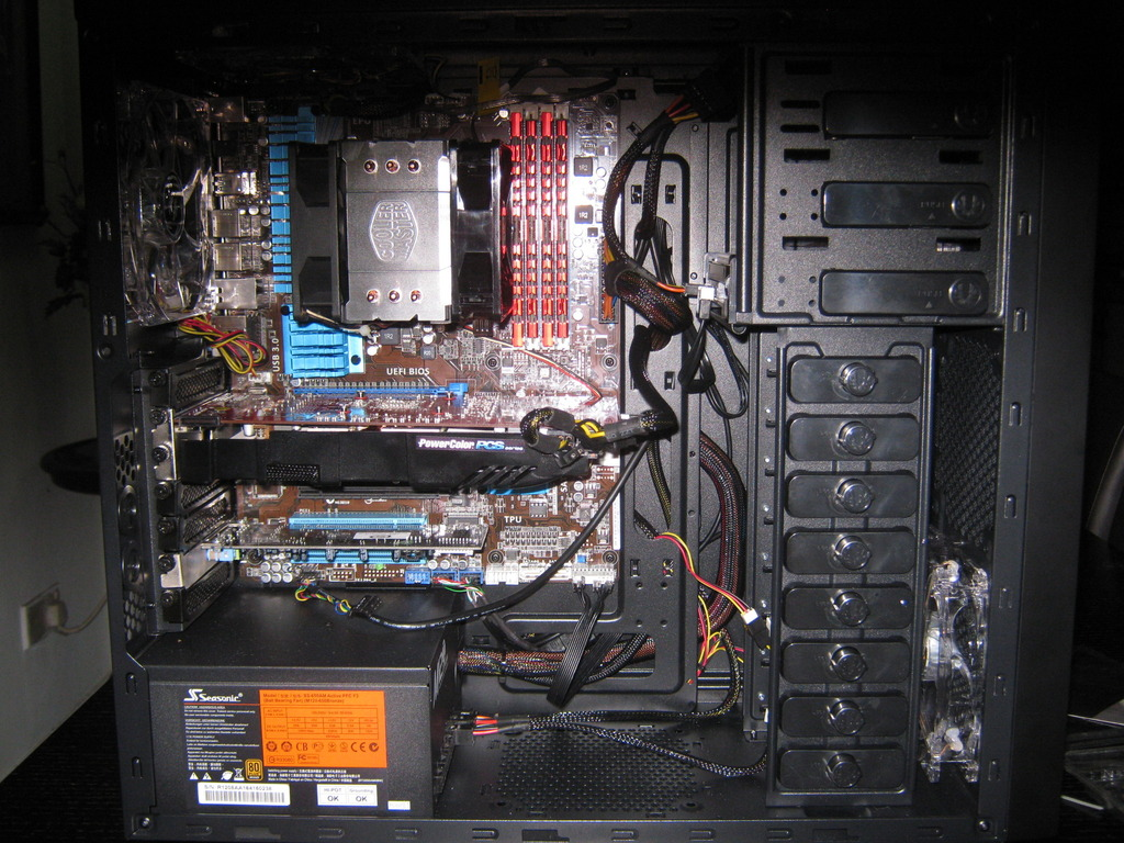 My first AMD build, my DAD\'s HTPC build, and my sister\'s gaming PC ...