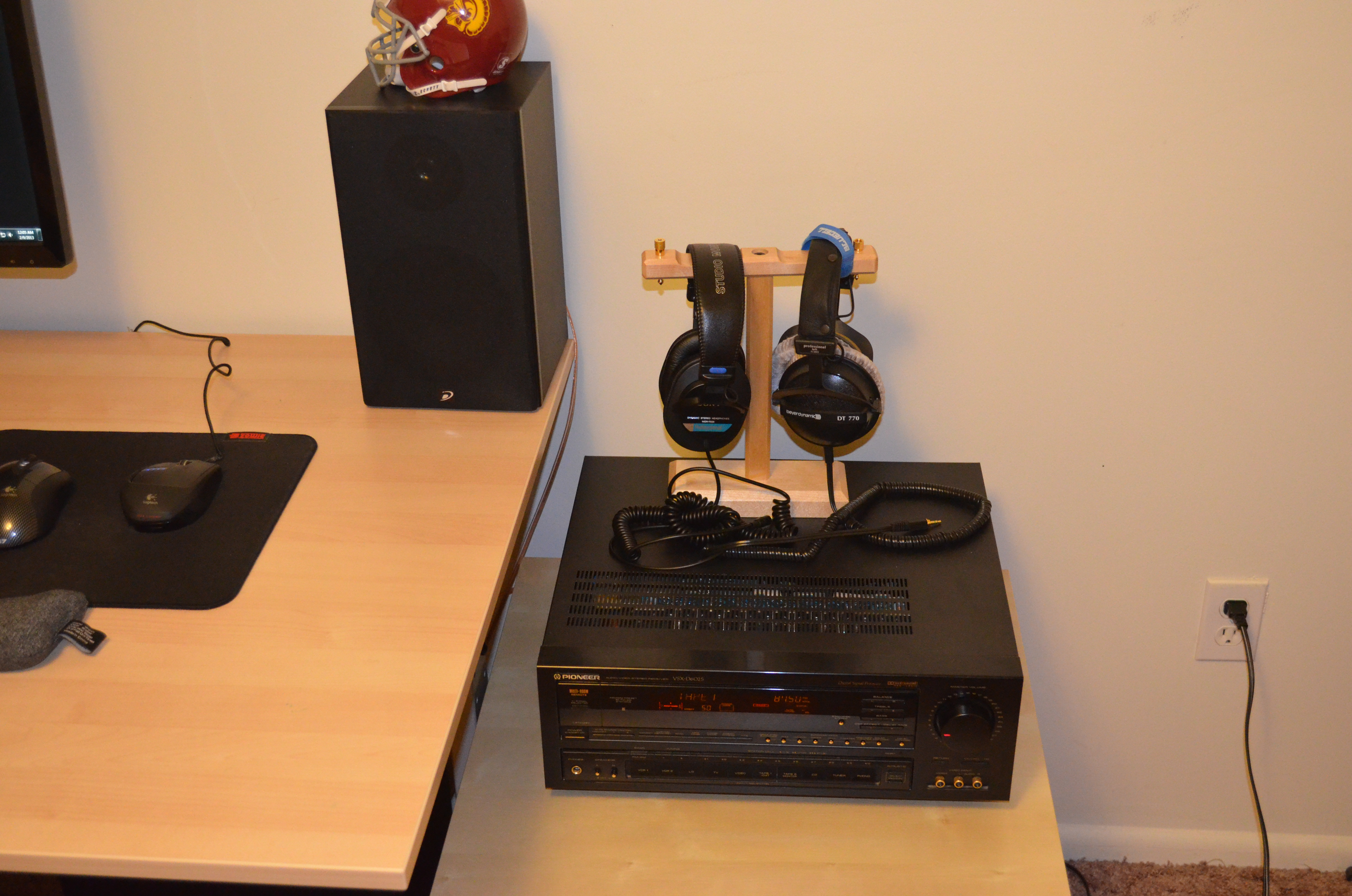 Pioneer Receiver, Sony MDR, DT 770, Head Phone Stand