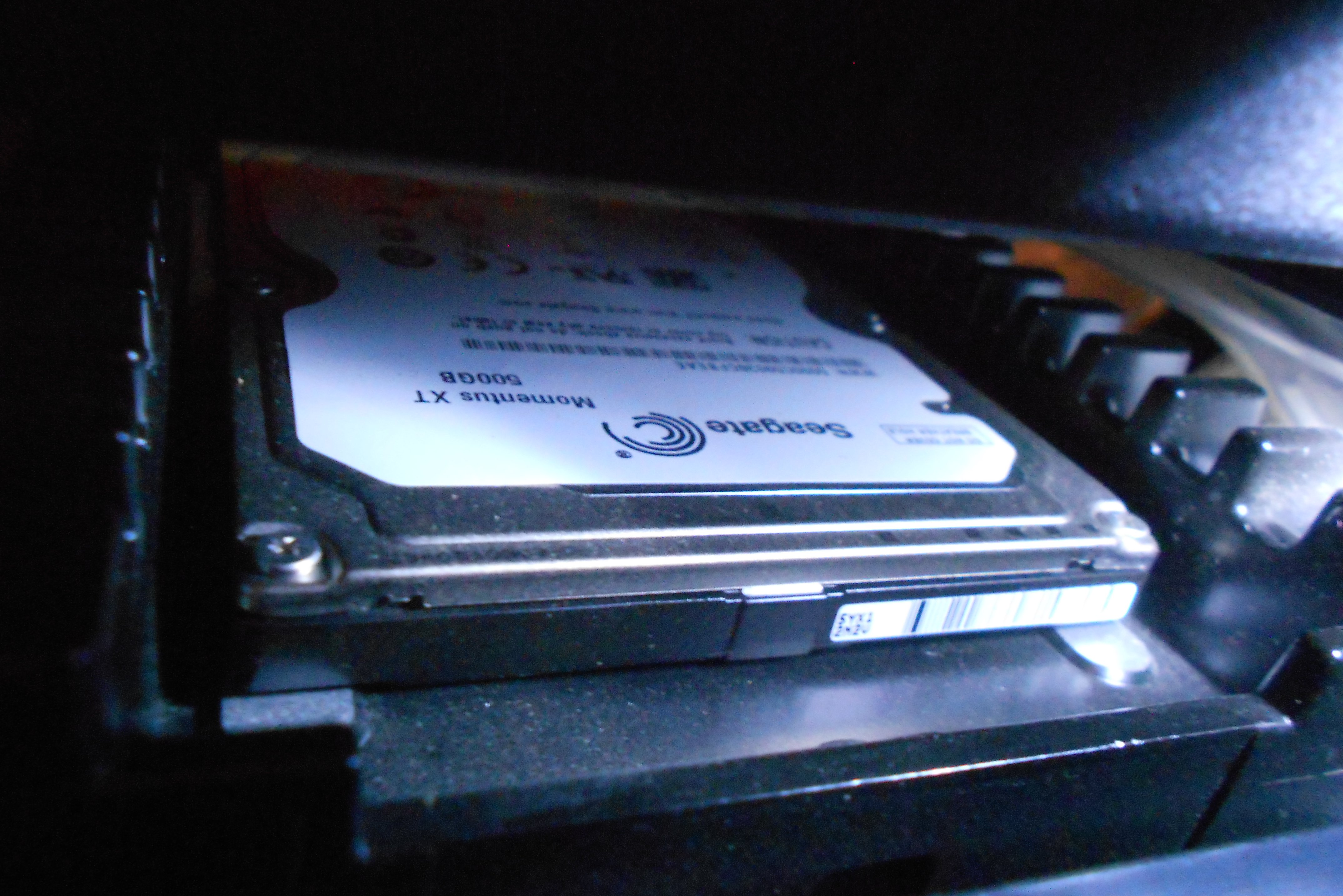 Seagate Momentus XT 500 GB hybrid HDD in a WD Raptor's Ice-Pack!