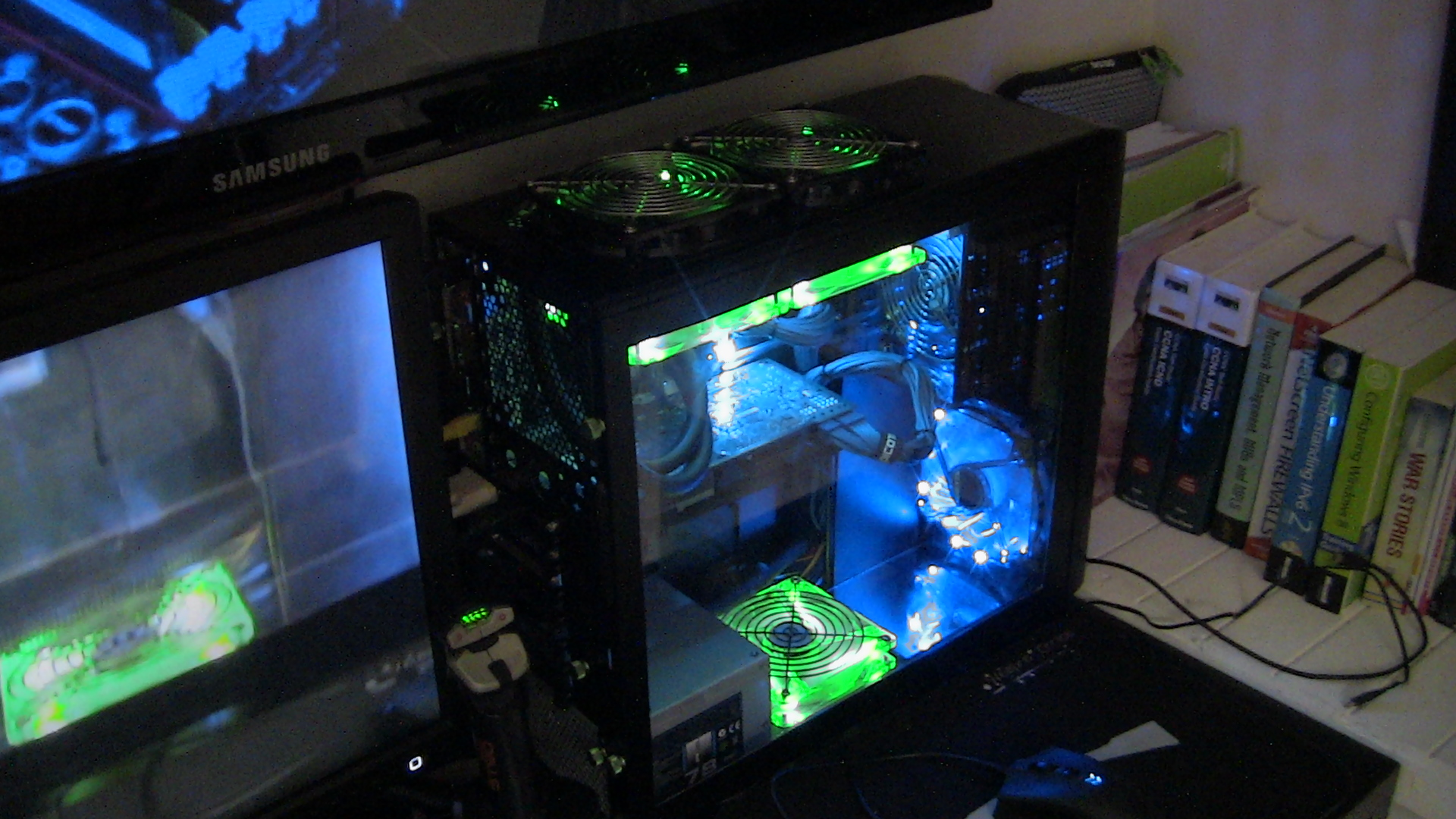 my case mod,gigabyte h77m,670 o.c. gtx,3770k,h100i watercooling,and the rest