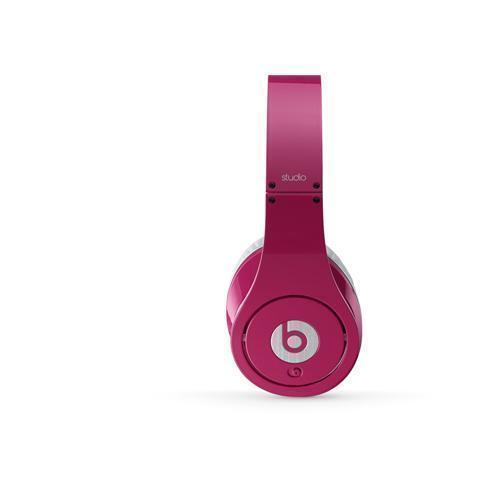 For Monster, pouring on the glam wasn't just about filling the marketing void left by dr dre wireless headphones. Each celebrity was selected to target a different demographic, Lee explained in an interview after the event.