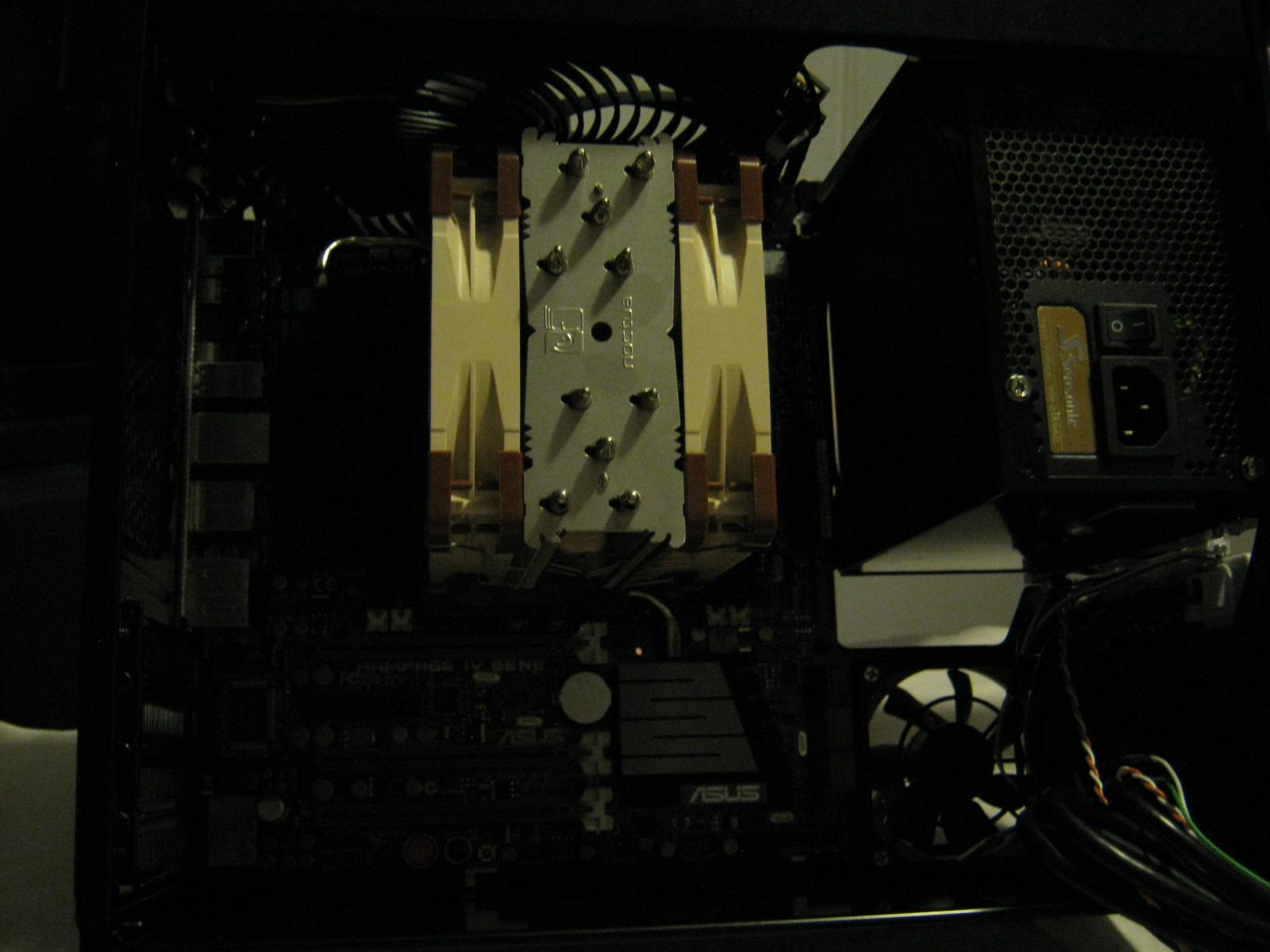Noctua NH-U12s cooler mounted with NF-12 PWM fans in push/pull