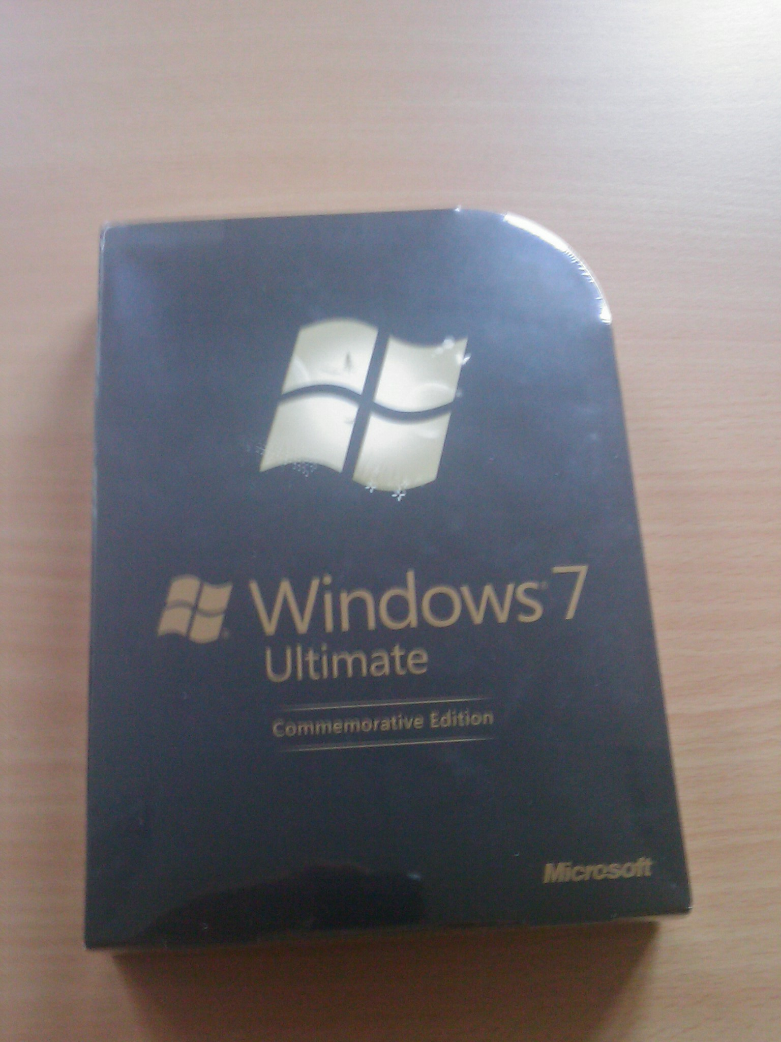 Windows 7 Ultimate Box