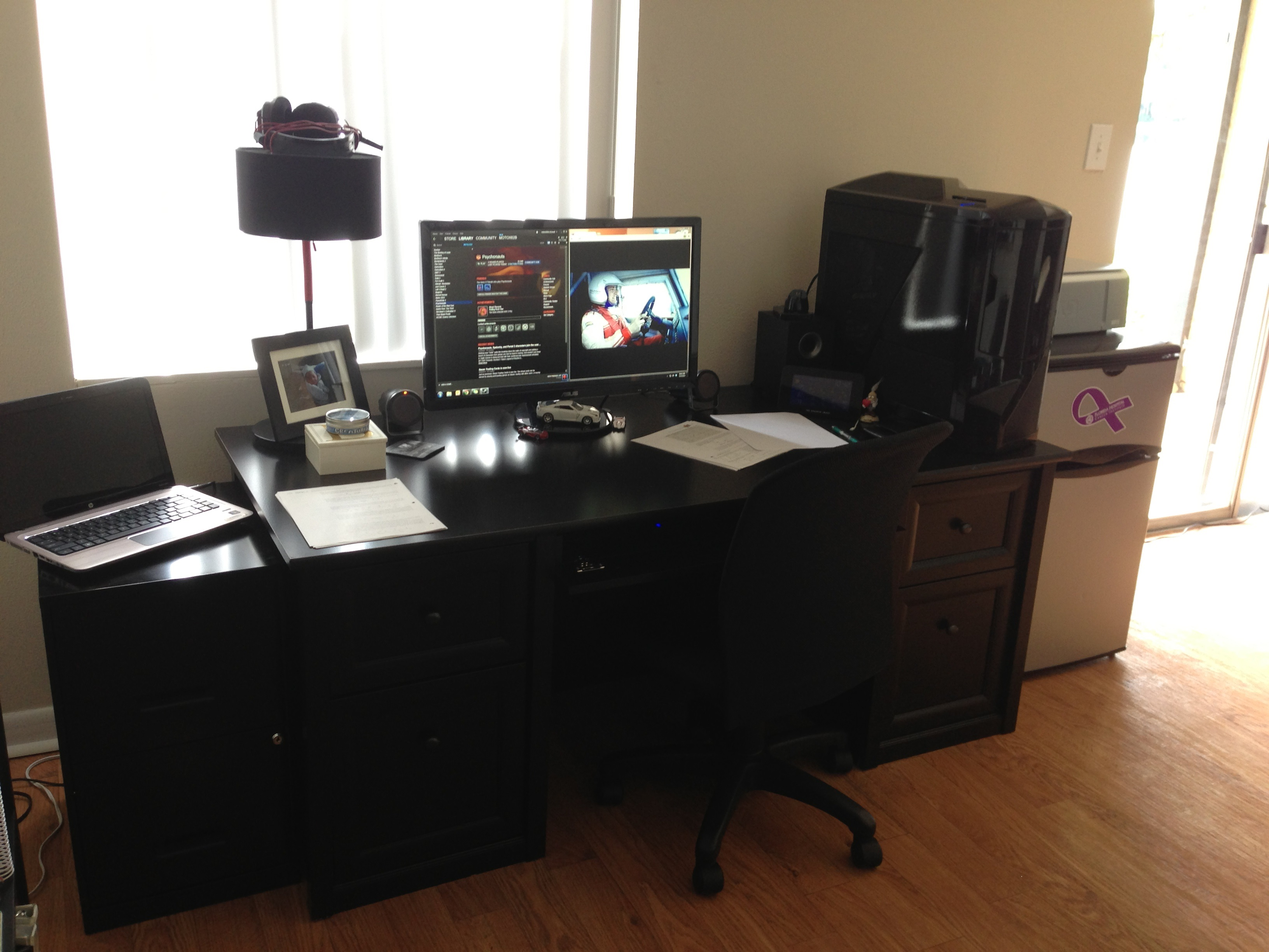 new home. got to love a bigger desk, and now the pc can sit beside me