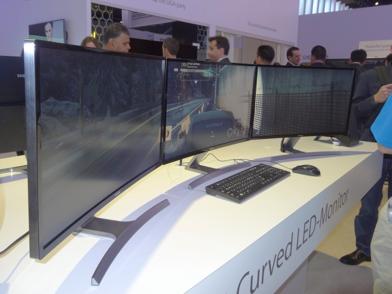 multiple samsung announced monitors ud970 ud590 4k and a curved