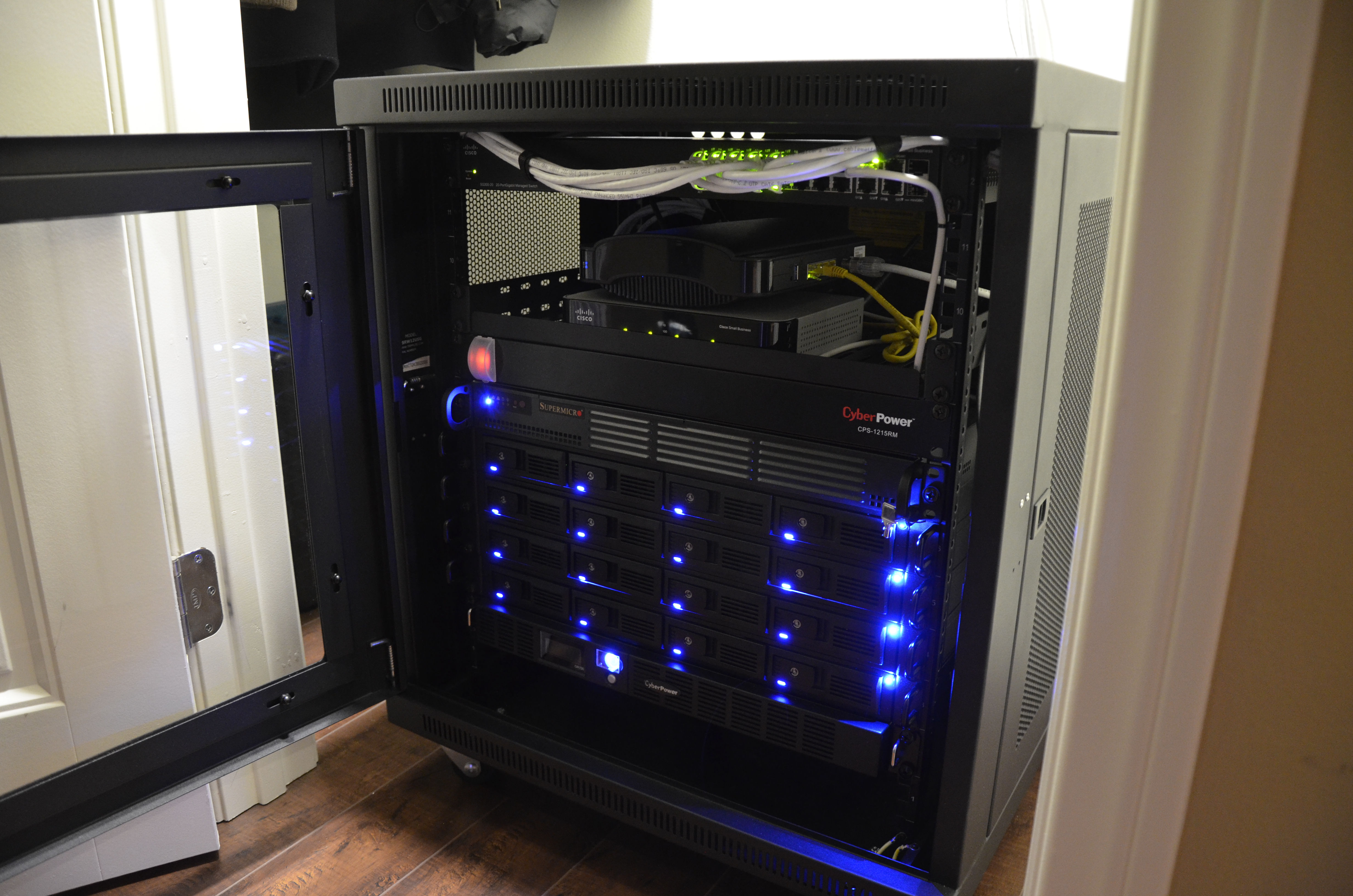 yourself it lab rack i cheap y home esxi server own easy or bottom cabinet your for diy d blog vmware and do build servers