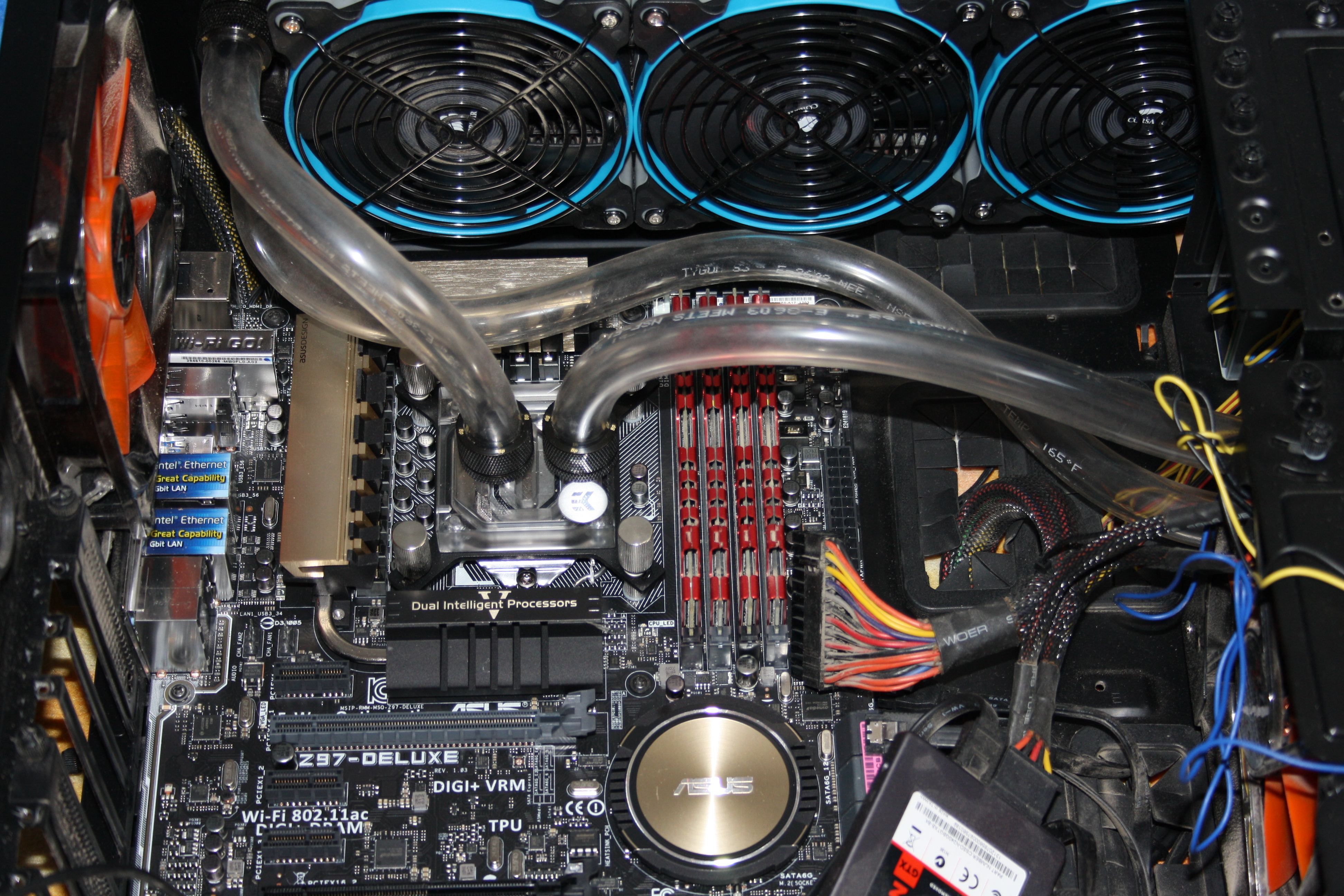Moved from my good old Gigabyte Z68X-UD7-B3 to ASUS Z97-DELUXE MB