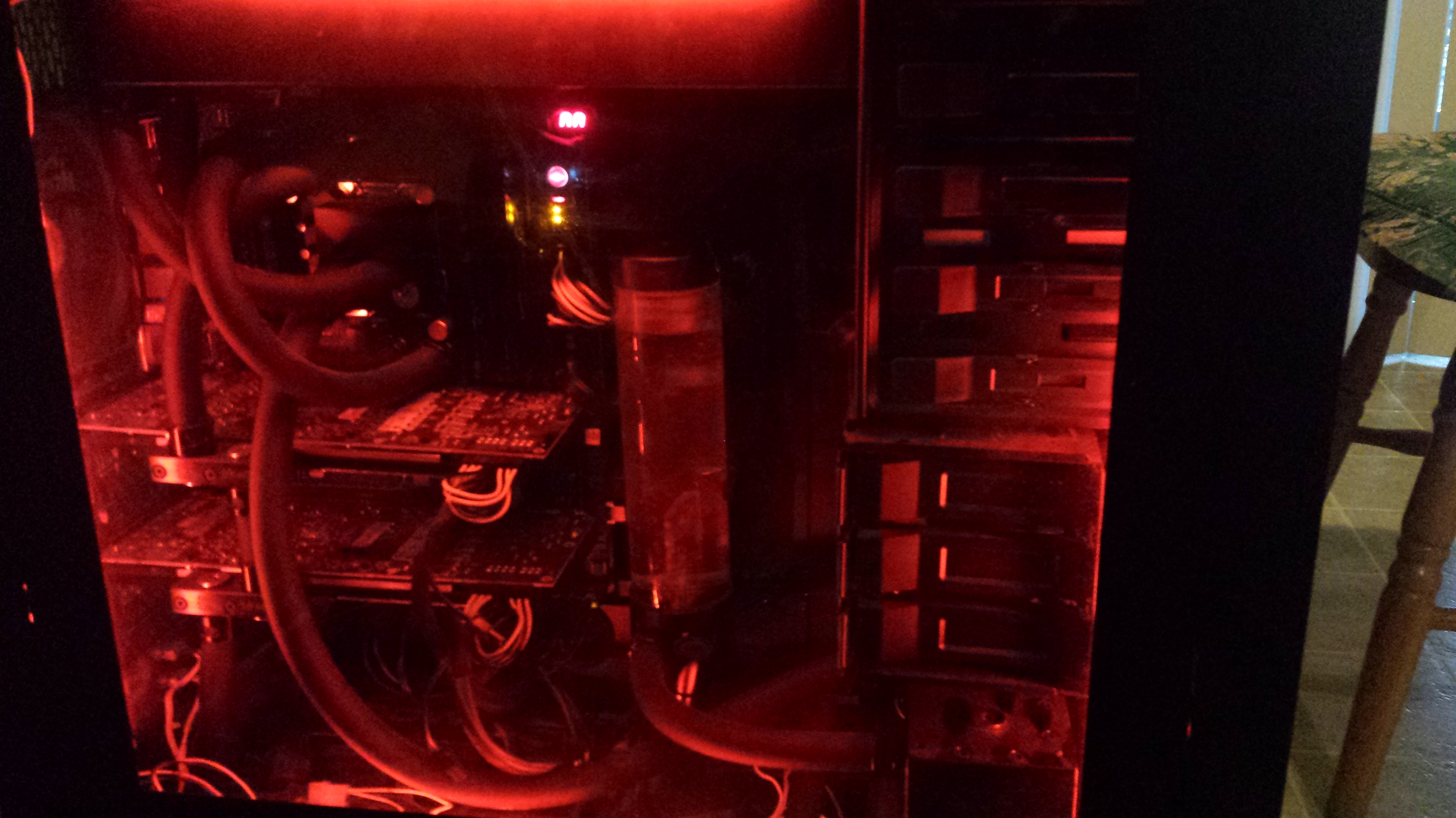Megatron with nice red lighting and new tubing to match that nice new ram kit I popped in.