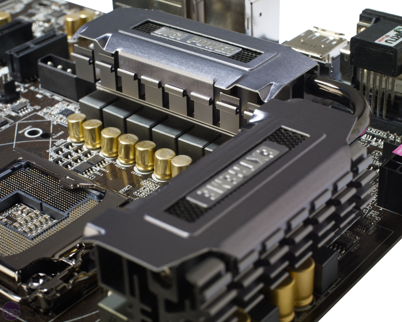"""Asrock Z68 Extreme4 GEN3 Angle View Of """"V8"""" VRM/MOSFET Heatsink+Heapipe Combo, 8+4 Phase PWM, Gold Caps, Hi Density Chokes and killer Power Delicery (CLEAN) in general!"""
