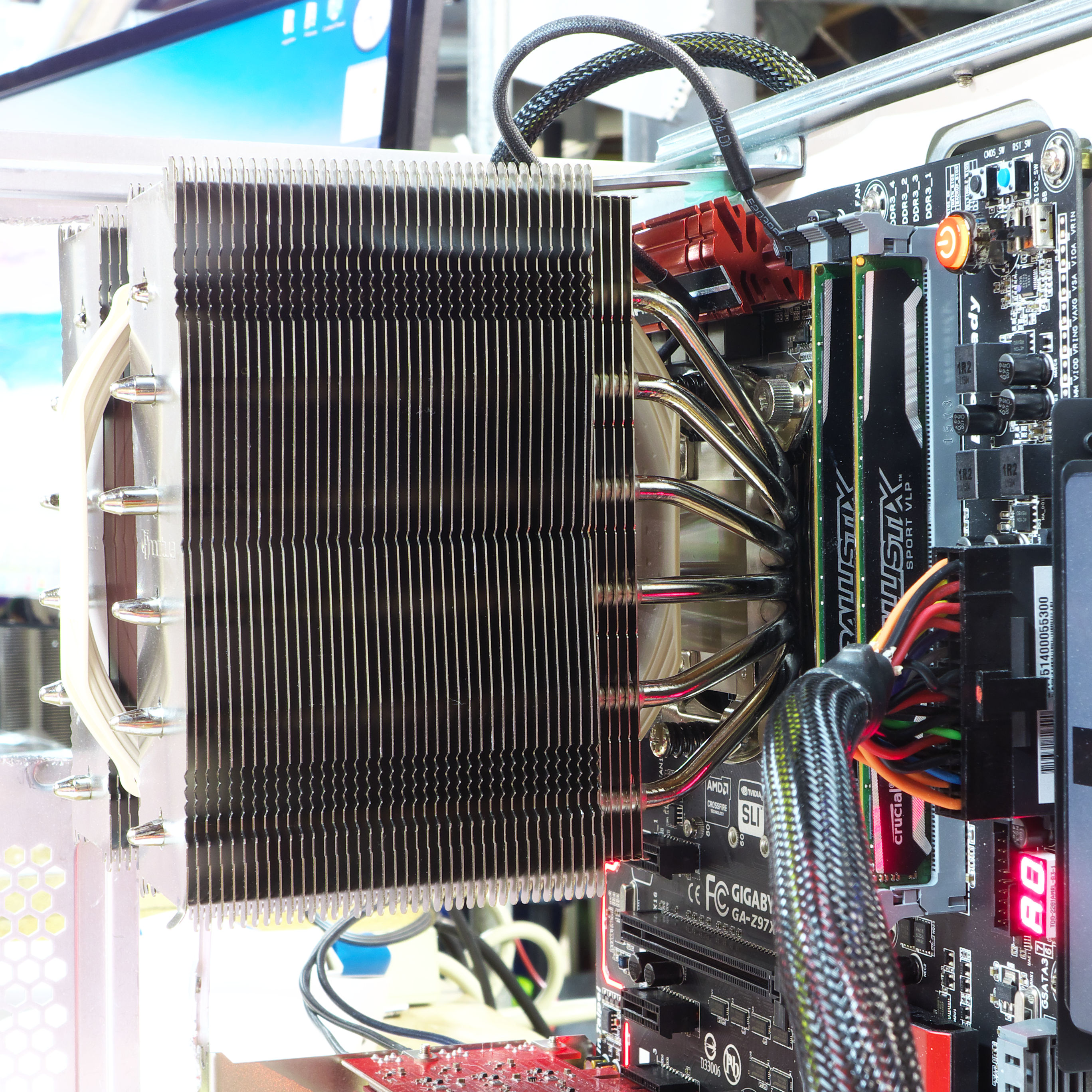 ATCS motherboard tray, used for testbed -- in action