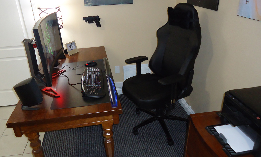 Maxnomic Commander S-III Gaming Chair Review - Overclock net