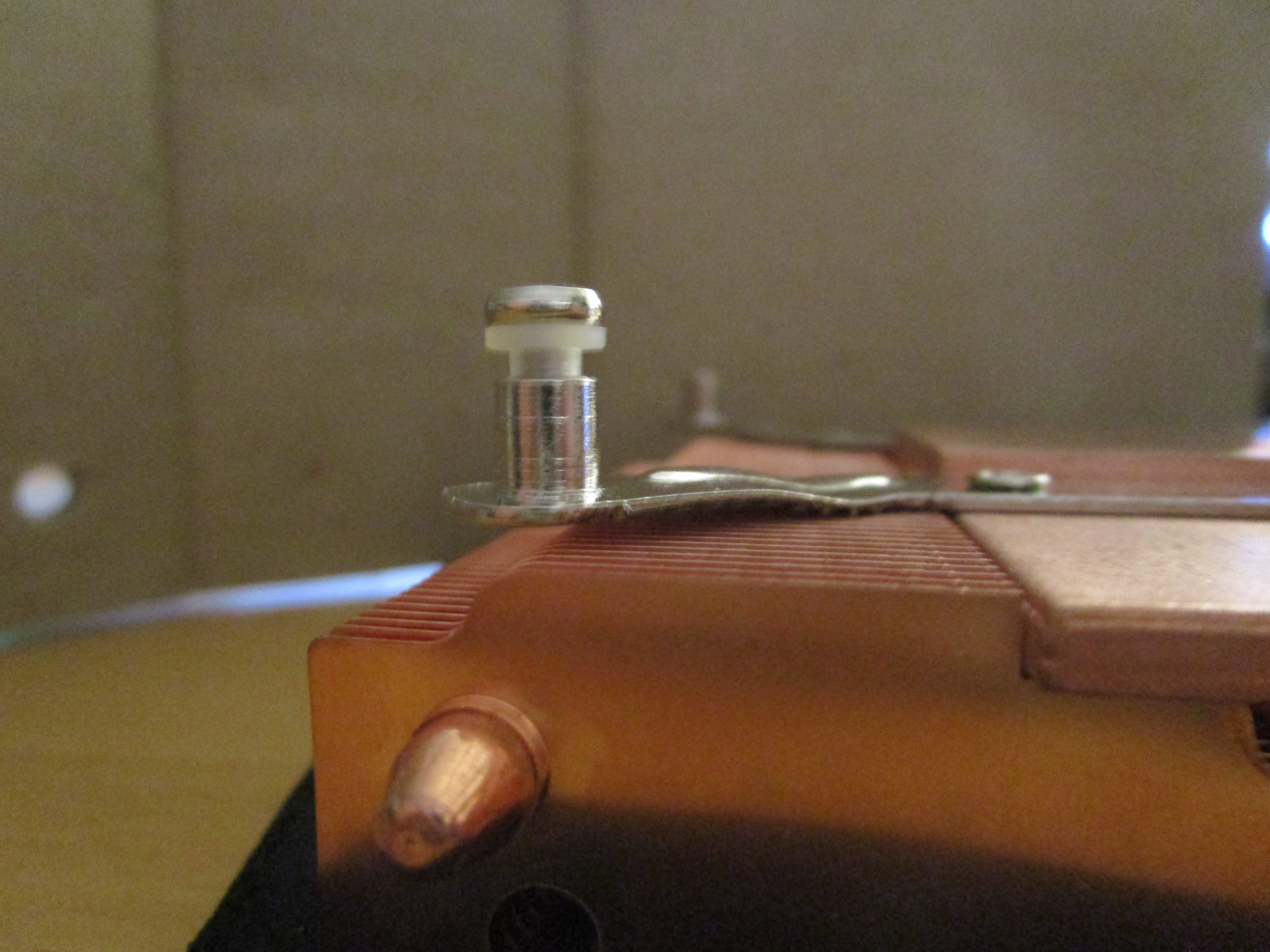 51v3: Default screws for the LP53. Not exactly the most sophisticated mounting mechanism.