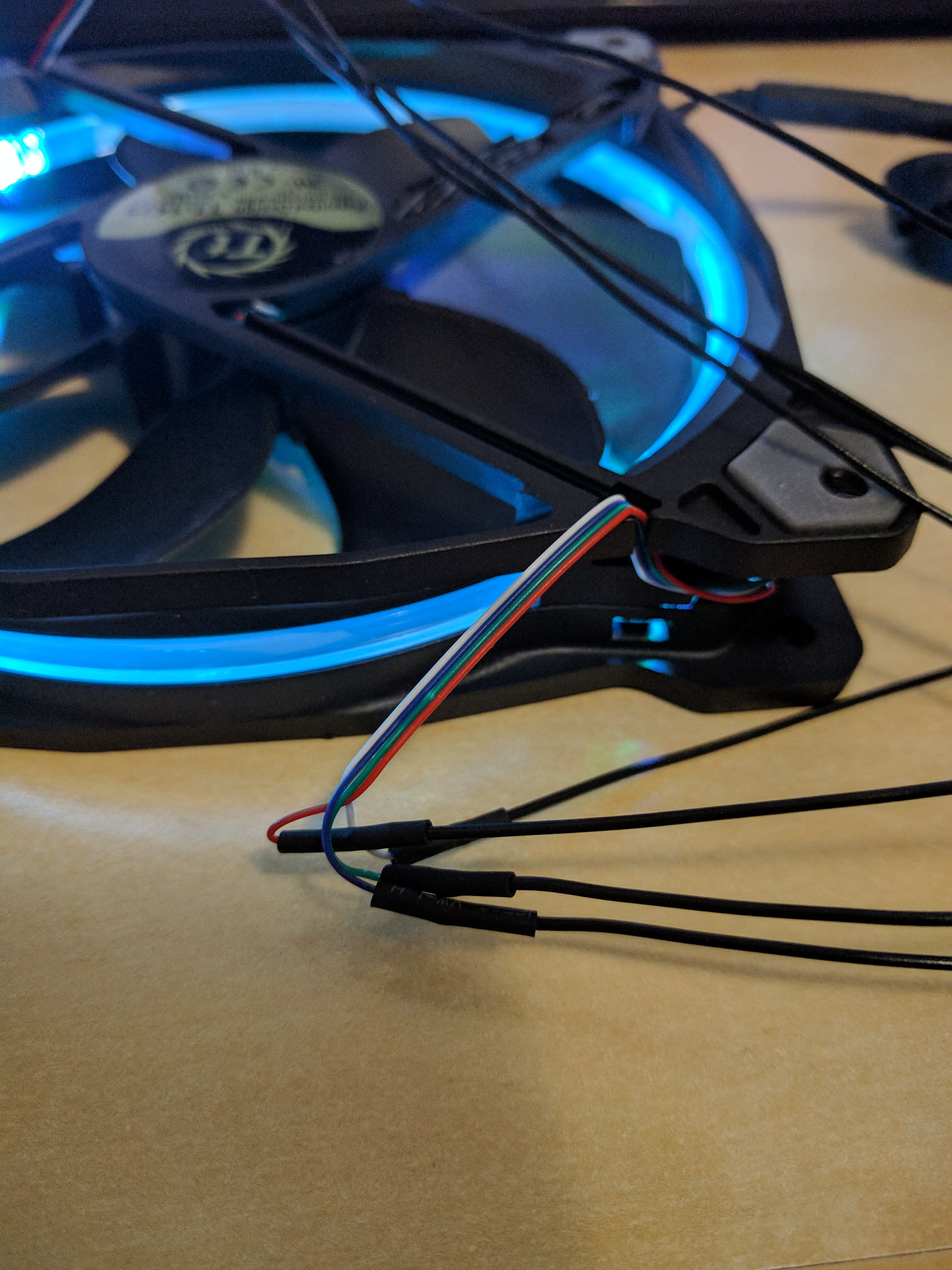 Thermaltake Riing RGB Fan Controlled Directly From Arduino