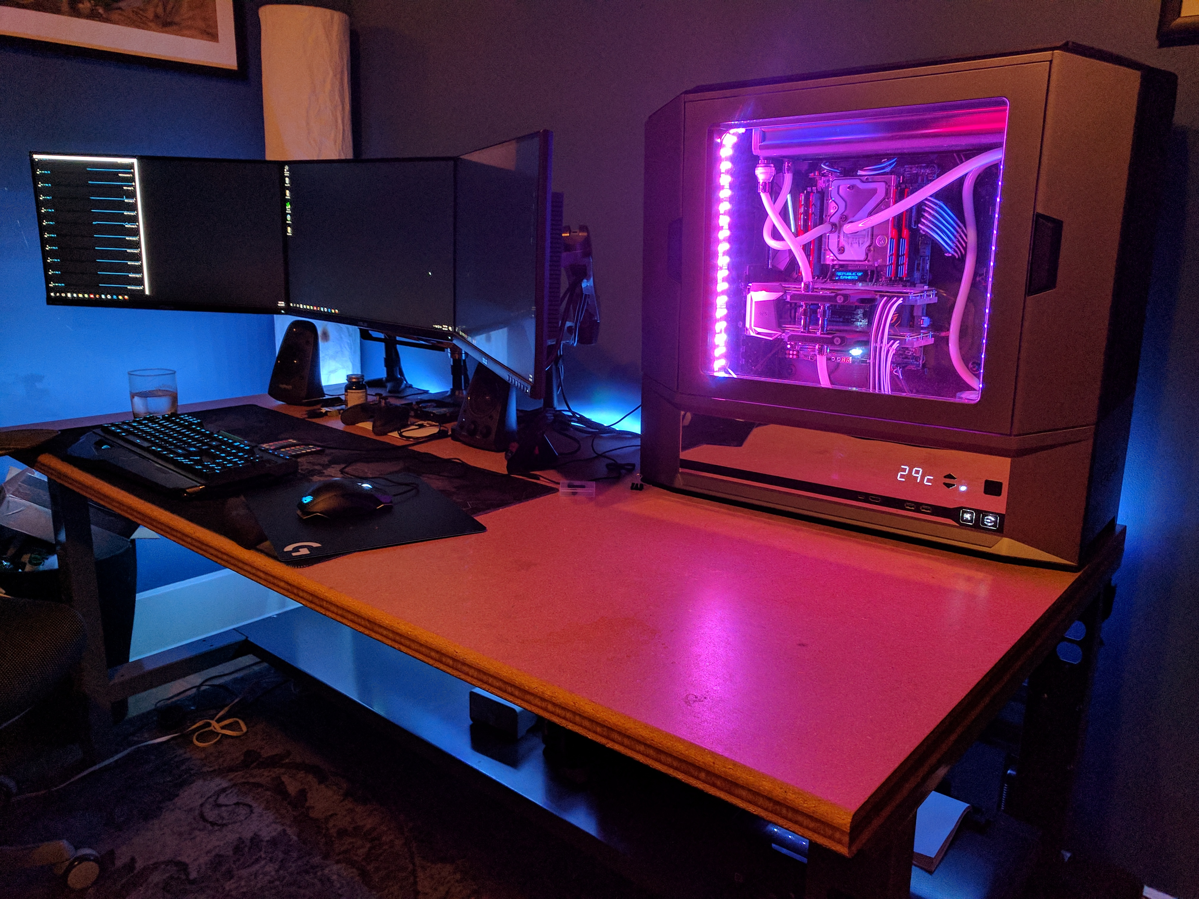 class wood is and designs desk front so has there top true in update custom glass world ces pc this chassis case smoked highlighted tempered with computer window sport win developed computex